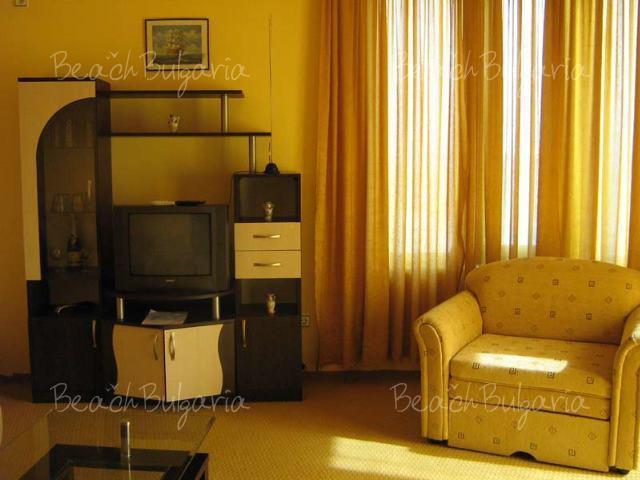 Blyan Hotel 5