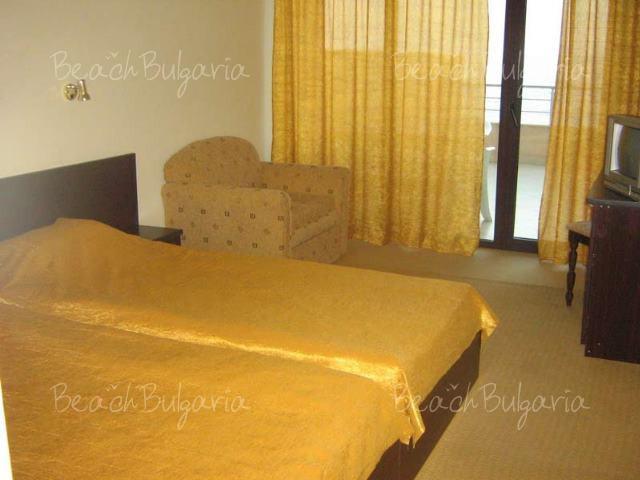 Blyan Hotel 7