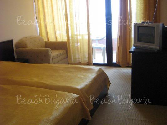 Blyan Hotel 9