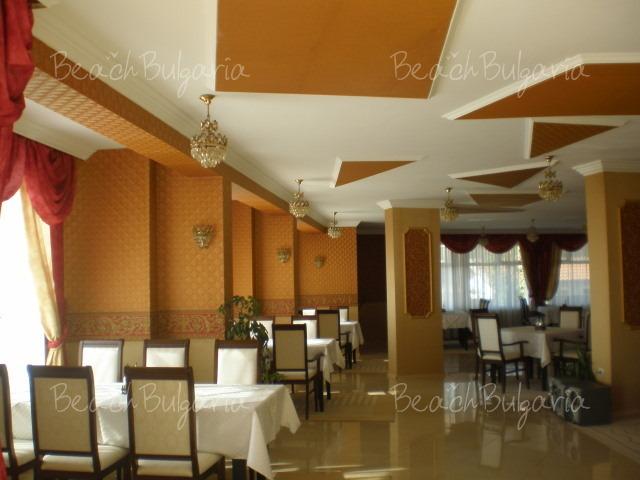 Laguna Hotel24