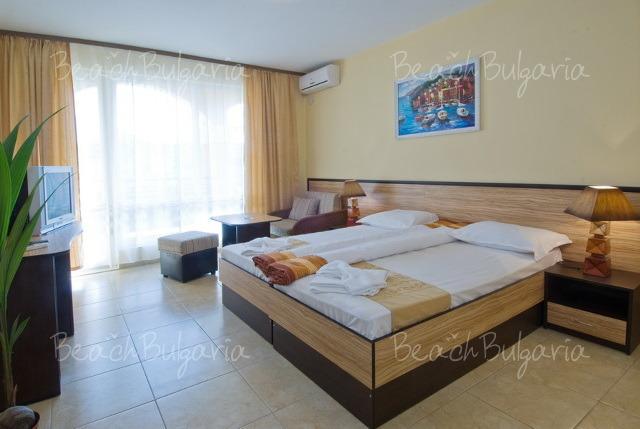 Luxor Hotel12