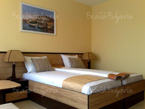 Luxor Hotel9