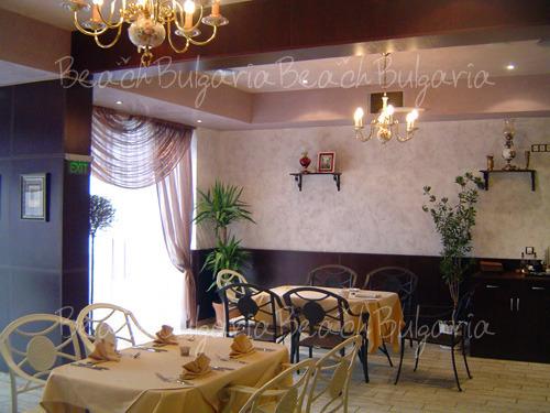 Palazzo Hotel9