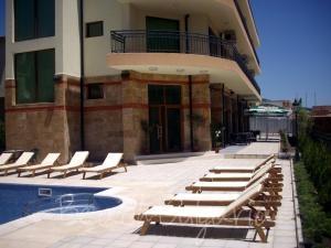 Serenity Hotel2