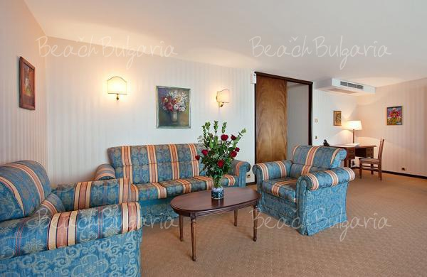 Grand Hotel Varna12