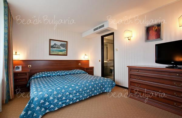 Grand Hotel Varna8