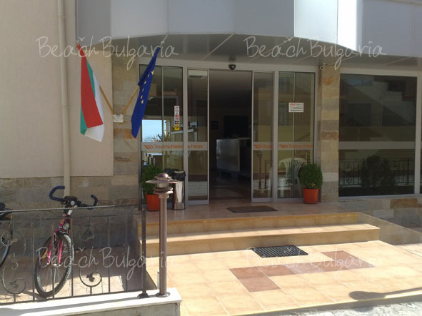 Tropics Hotel4
