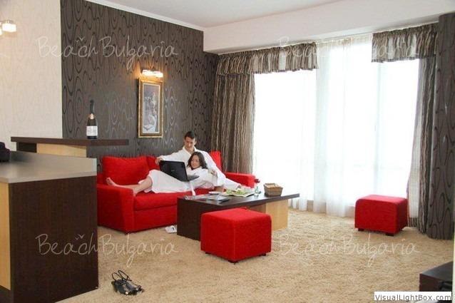 Calypso Hotel13
