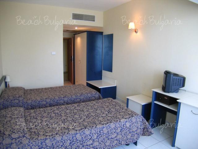 Dolphin Hotel14