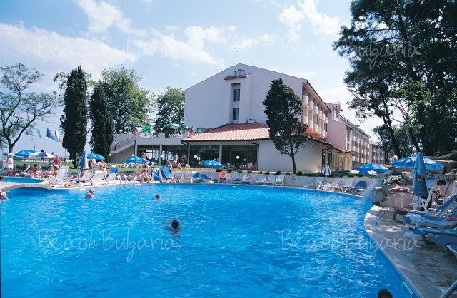 Dolphin Hotel19