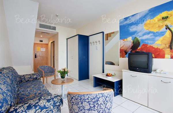 Dolphin Hotel7
