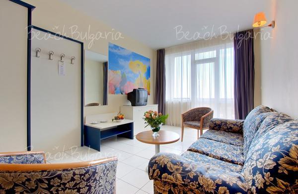 Dolphin Hotel9