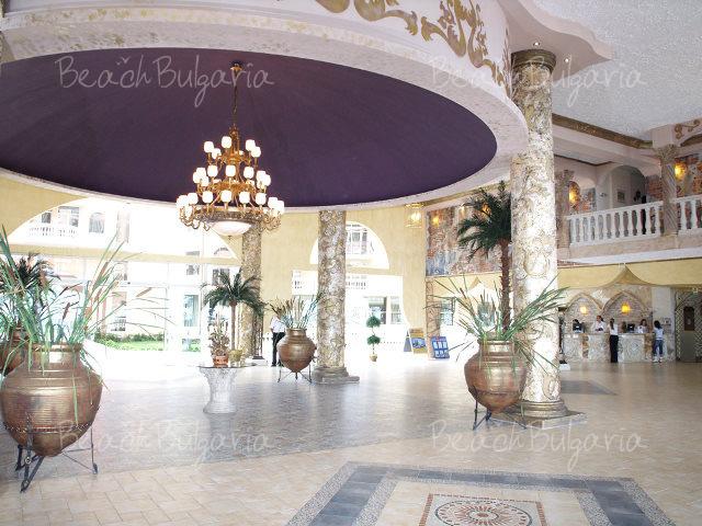 Royal Park Hotel2