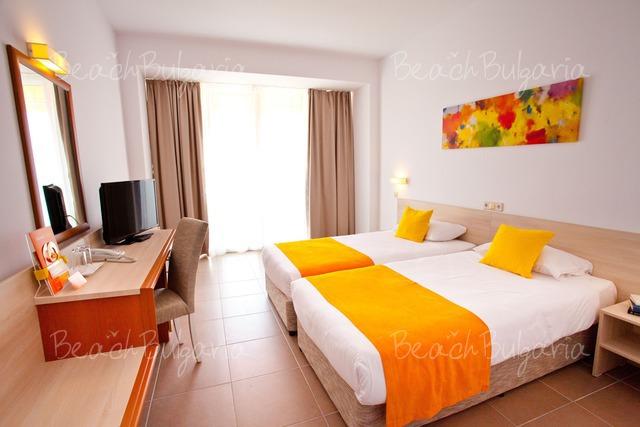 Suneo Helios Beach Hotel9