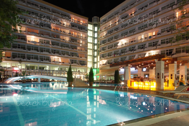 Grand Hotel Oasis12