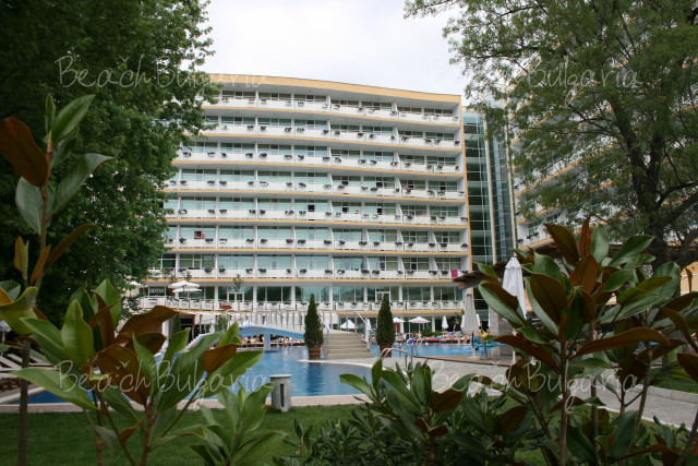 Grand Hotel Oasis4