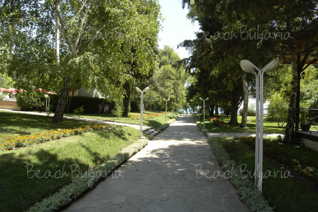 Oasis Park Hotel 16