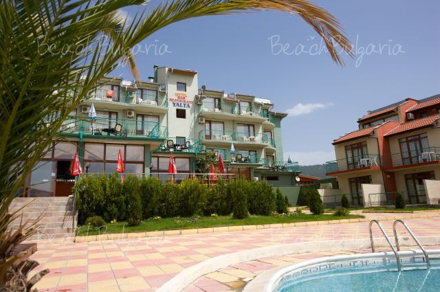 Yalta Resort Village2