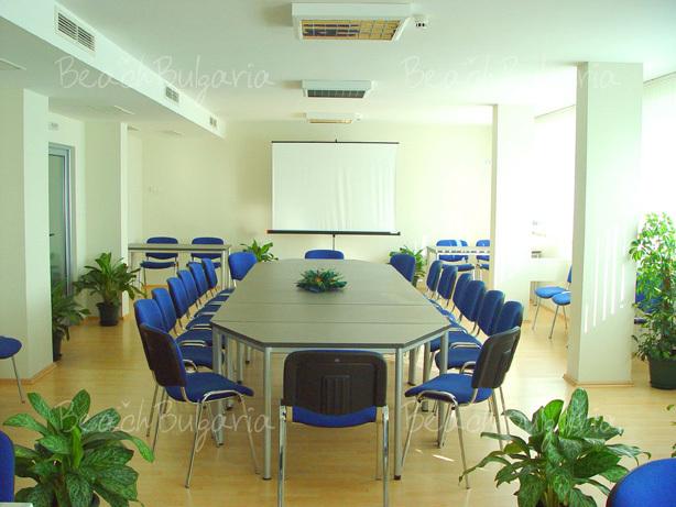 Aqua Hotel13