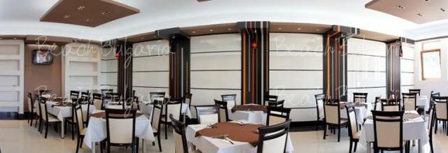 Vemara Club Hotel12