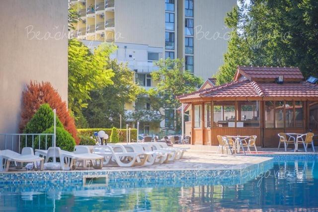 Royal Hotel4