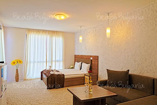 Sun Gate Hotel12