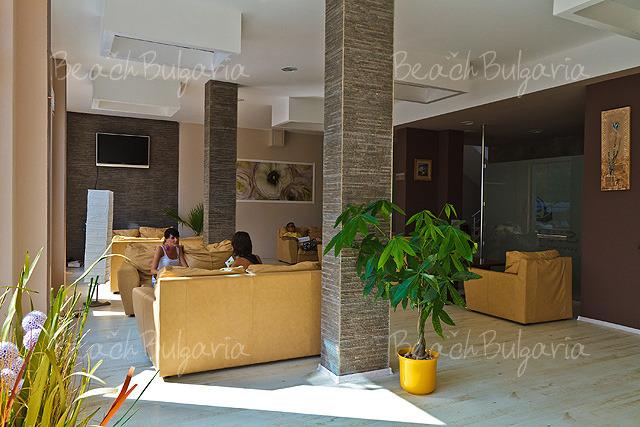 Sun Gate Hotel9