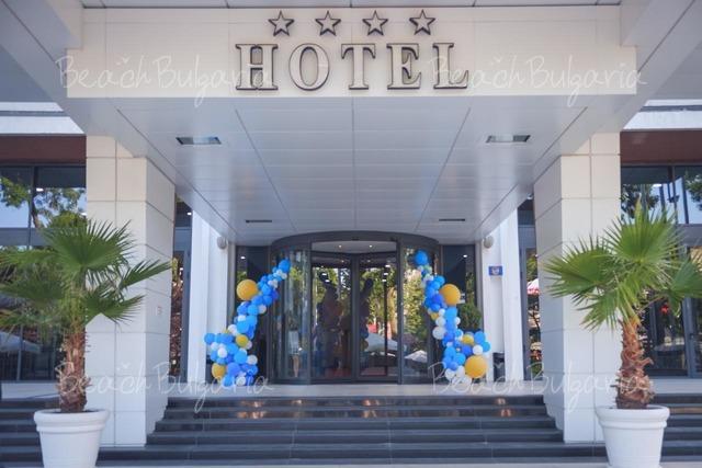 Hotel & Casino Cherno more2