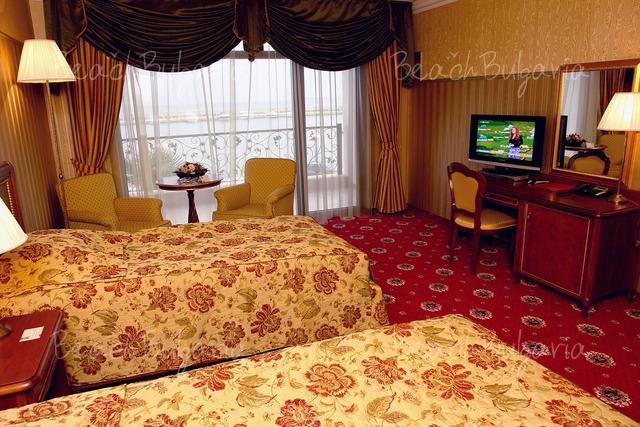 Hotel Palace Marina Dinevi8