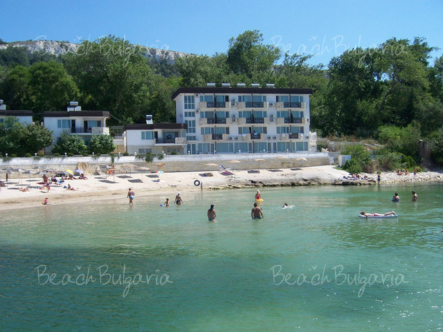 Oasis resort village2
