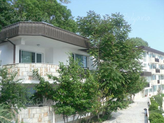 Oasis resort village3