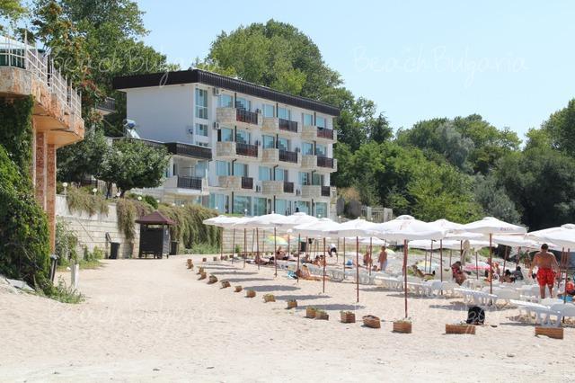 Oasis resort village4