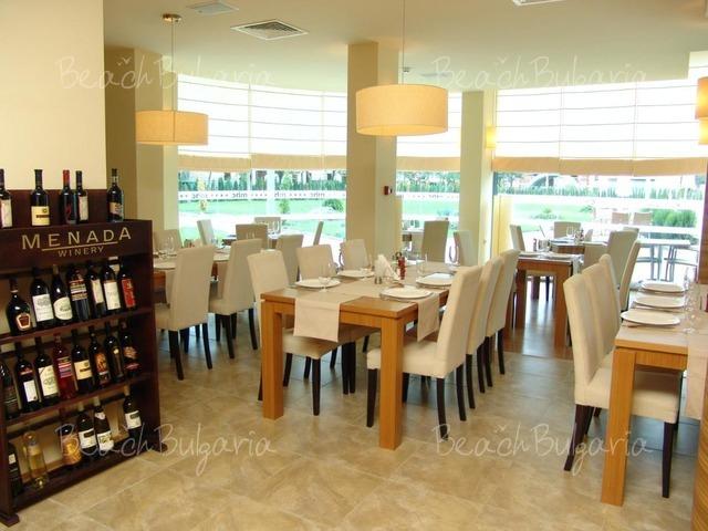 Marina Holiday Club 12