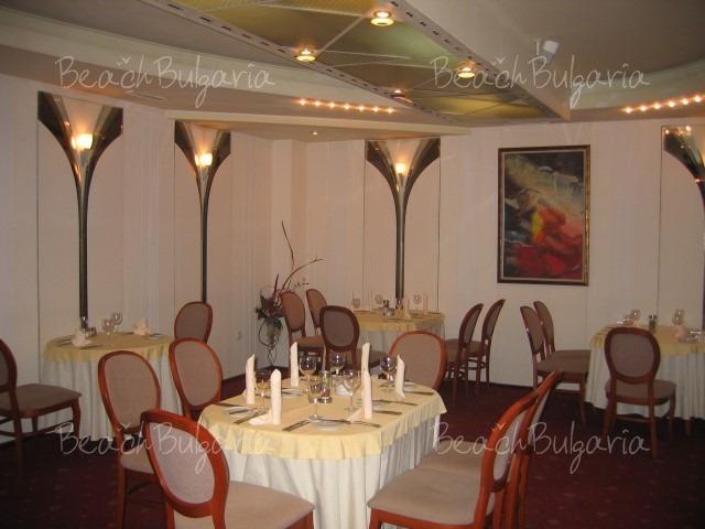 Reverence Hotel5