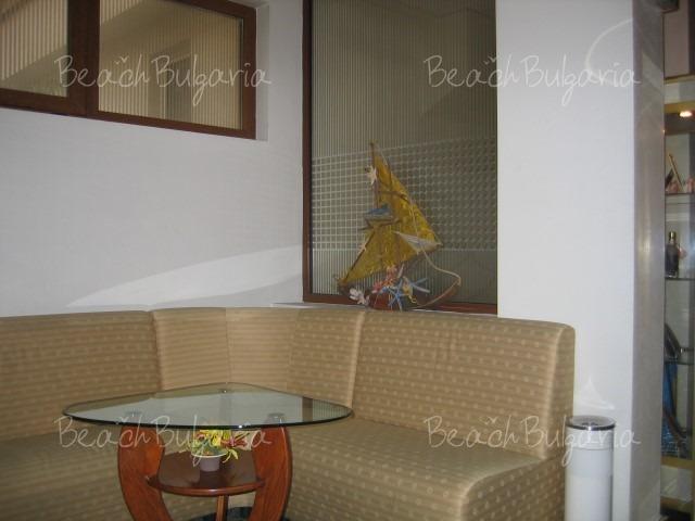 Reverence Hotel9
