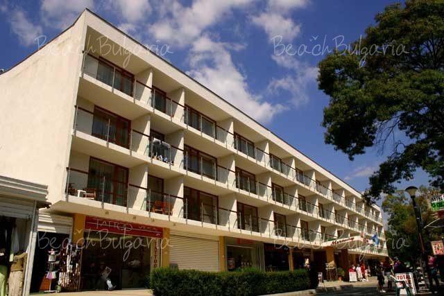 Mercury Hotel2