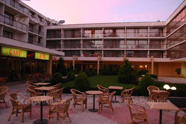 Mercury Hotel5