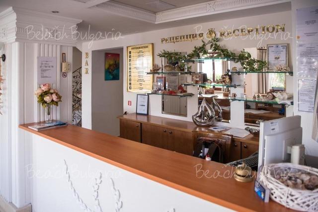 Victoria Hotel3