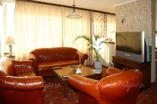 Mirage Hotel12