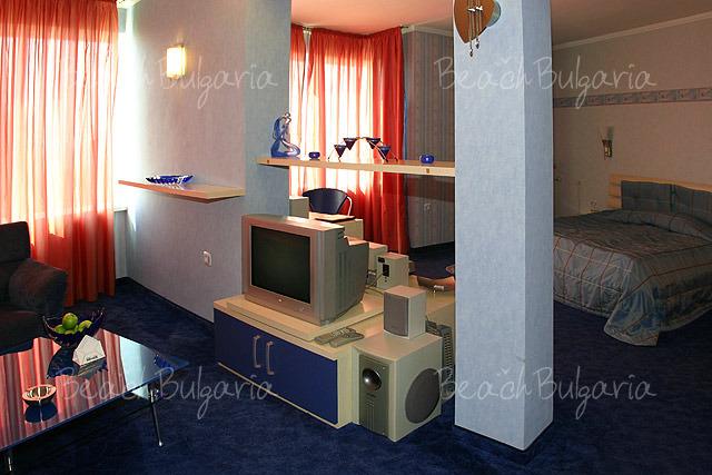 Mirage Hotel13