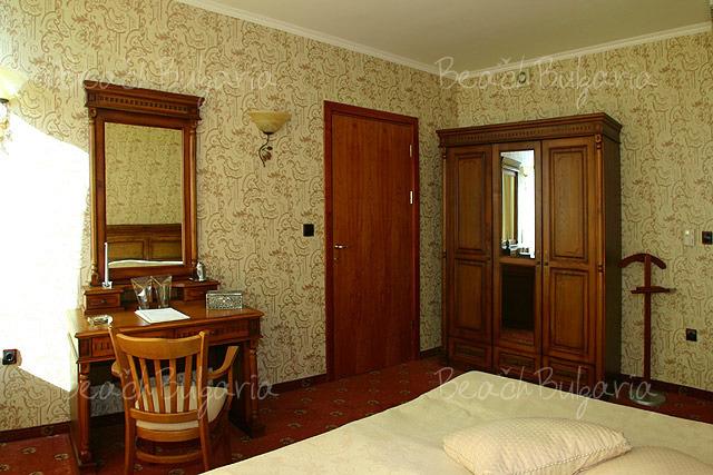 Mirage Hotel9