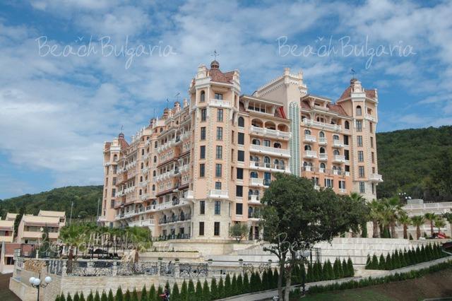 Royal Castle Hotel2