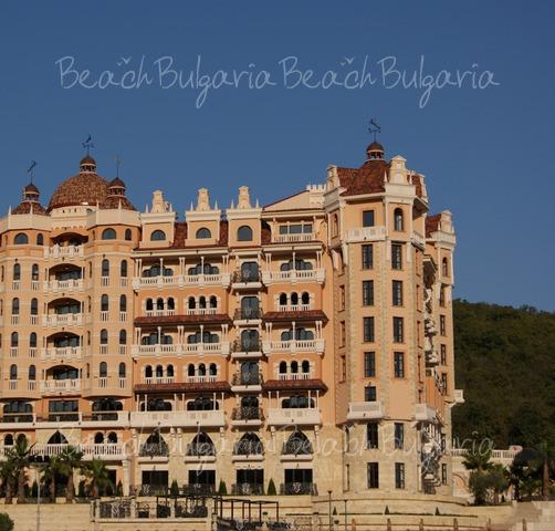 Royal Castle Hotel3