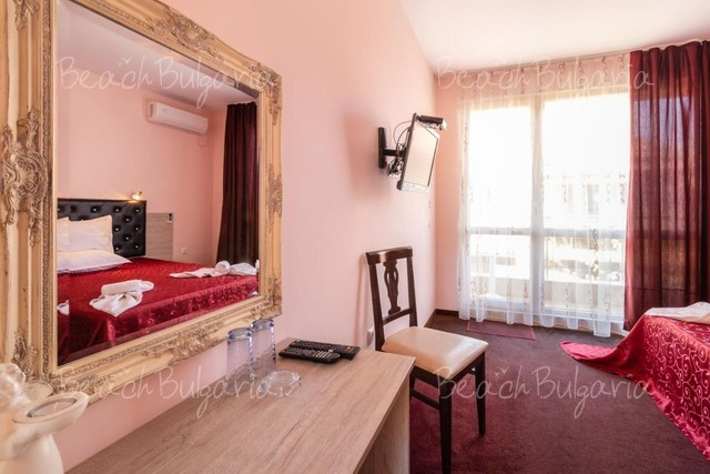 Zeus Hotel11