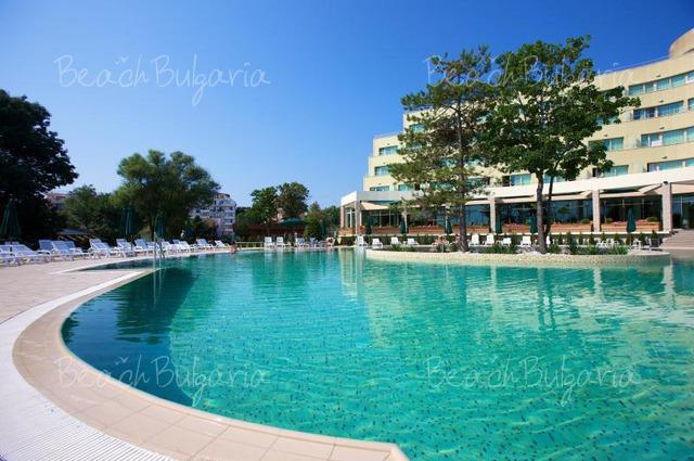 Jeravi Hotel3