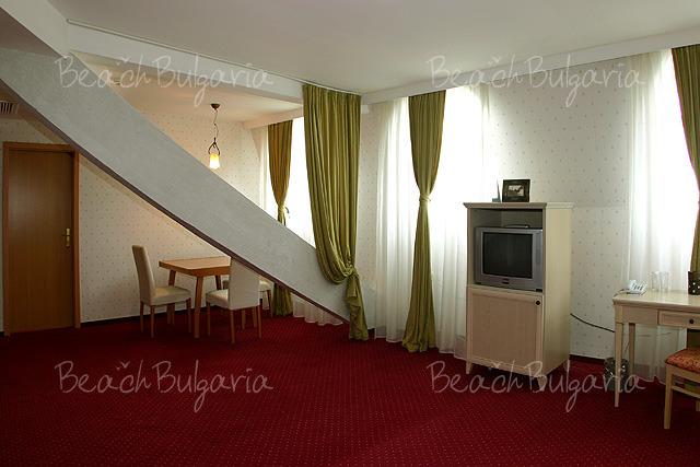 Plaza Hotel4