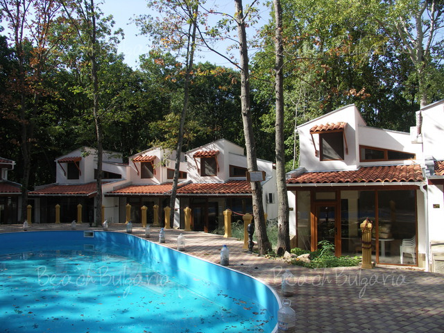 Primorsko Holiday Villas4