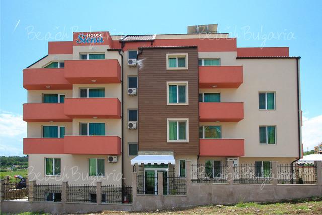 Siena House Family Hotel