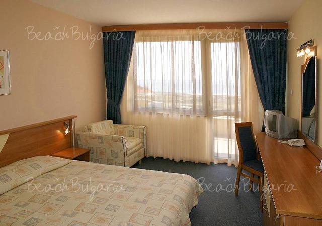 Sunrise hotel8
