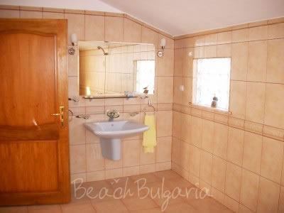 Zlatna Ribka family hotel11